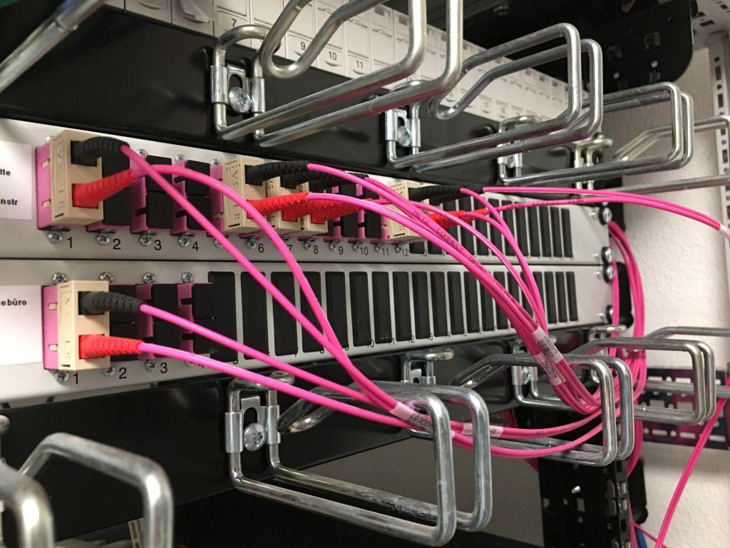 Verblüffend aber wahr: Strukturierte Verkabelung mit Glasfaser (LWL ...